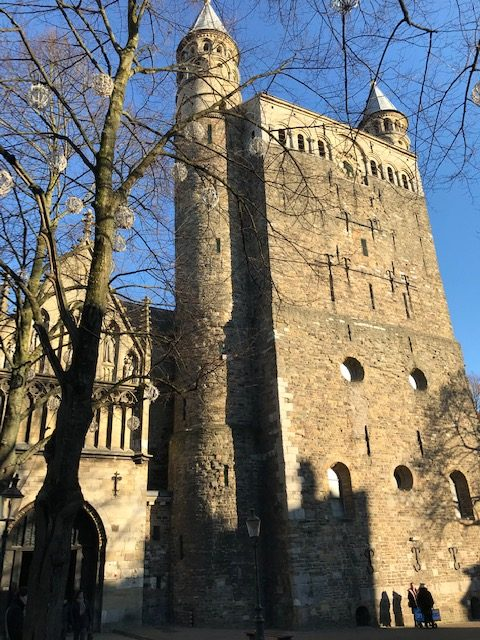 historic churches tour maastricht